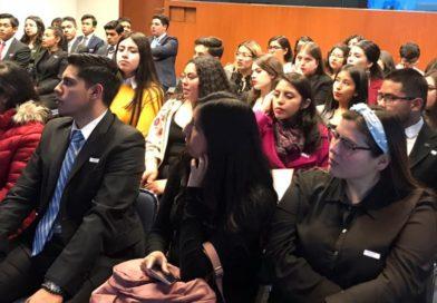 Integrantes de PotroMun asisten a charla sobre la Agenda 2030